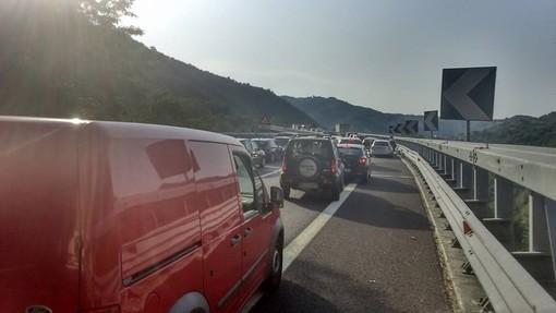 Troppi cantieri sulla A6: raggiungere la Liguria diventa un'Odissea, ma il pedaggio si paga (VIDEO)