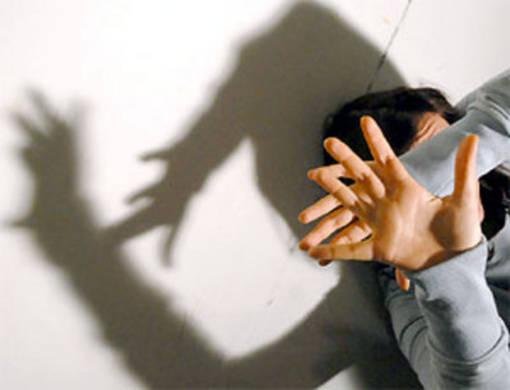 """""""Esigeva dei rapporti sessuali. Dopo avermi chiusa in casa, mi ha picchiata a sangue e mi ha violentata"""": a processo ex coniugi di Savigliano"""