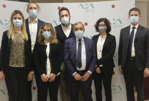 Nella foto (Ph. Malò), da sinistra Elena Giachino, Eugenio Noriani, Alessandra Pagano, Alessandro Mari, Giuliano Viglione, Katia Robaldo e Fabrizio Pace
