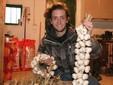 Una ghirlanda e una treccia dell'aglio di Caraglio