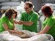 Lorella, Lelio e Paola scelgono l'orzo da trasformare in malto