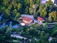 Veduta dall'alto dell'azienda Agritrutta nella foto di John Aimo