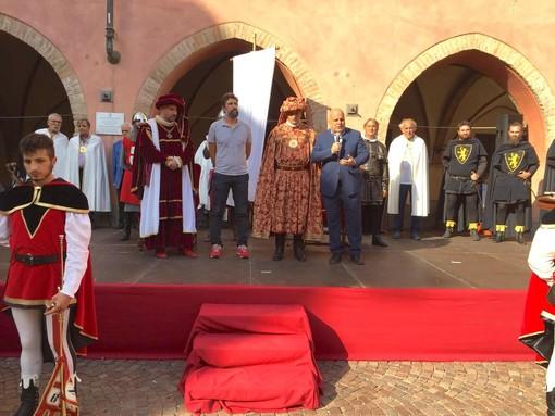 L'astigiano Rasero ad Alba per il premio Amico del Palio conferitogli dalla Giostra delle Cento Torri
