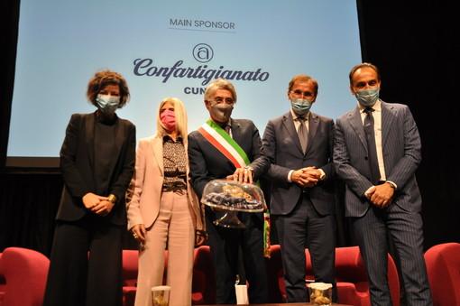 """Il ministro Boccia ha aperto la 90ª Fiera del Tartufo Bianco d'Alba: """"Un'edizione nel segno del coraggio e dell'innovazione"""" (FOTO)"""