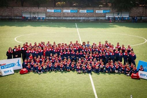 Giovani promesse e allenatori dell'Accademia schierati sul campo del Coppino