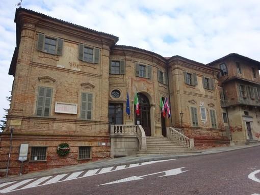 Il Municipio di Bra (foto d'archivio)