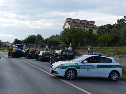 Il luogo del sinistro, e l'elicottero del 118 intervenuto in frazione Bandito a Bra