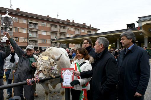 """Banca Alpi Marittime sostiene la 109ª edizione della """"Fiera del Bue Grasso di Carrù"""""""