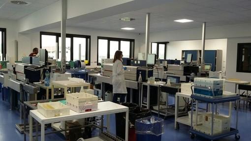 Il laboratorio di analisi a Madonna dell'Olmo