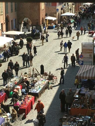 Cherasco, torna protagonista l'Antiquariato: appuntamento domenica 4 ottobre nelle vie del centro storico