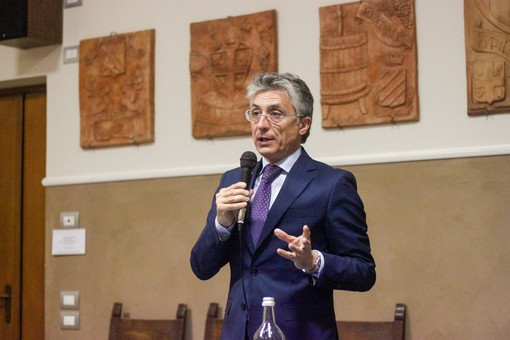 Il conteggio ora è definitivo: Carlo Bo diventa sindaco di Alba con 9.004 voti (51,05%)