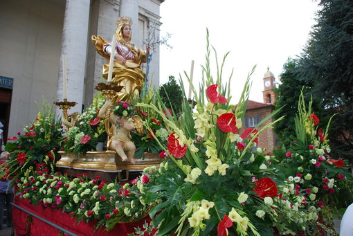 Bra, tutto pronto per la festa della Madonna dei Fiori, ma senza processione