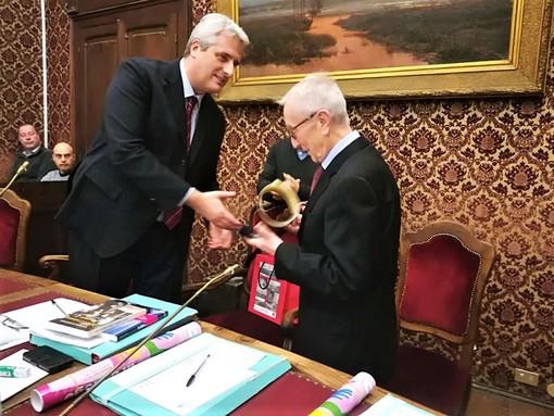 Davide Schiffer insieme al sindaco di Cuneo Federico Borgna
