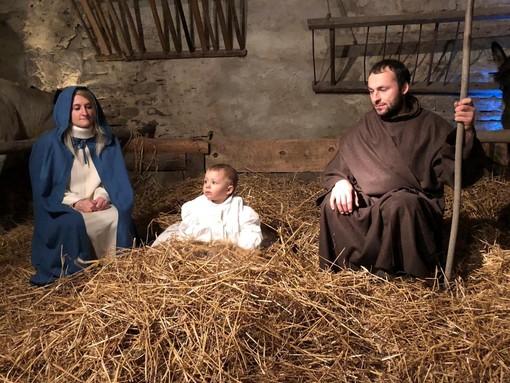 Michela Bruno, il marito Mauro Valletti e la loro figlioletta Valentina hanno impersonato la Sacra Famiglia