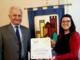 Il sindaco guarenese Franco Artusio riceve il premio Gse nel corso della cerimonia tenutasi lunedì a Torino