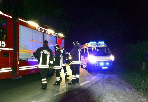 Scontro tra due mezzi ieri sera a Vinadio: una persona incastrata, strada chiusa per ore