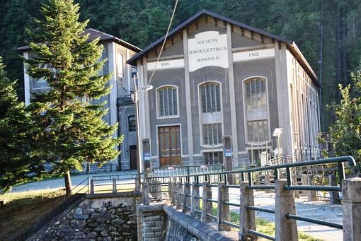 L'importante centrale idroelettrica di Calcinere di Paesana