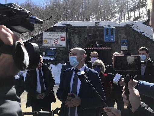 Un momento della visita del viceministro alle Infrastrutture Alessandro Morelli