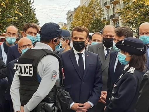 Attentato di Nizza, Emmanuel Macron giunto in Avenue Médecin: chi è l'attentatore