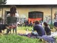 Gli attivisti del Mononoke, da alcuni giorni impegnati a ripulire i localid egli ex magazzini Piaggio