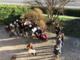 Gli studenti della IV C (anno scolastico 2019/2020) con Maria Pia Giovine, in una foto del 2019