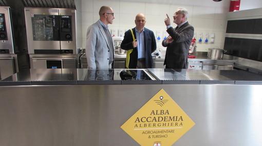 """Alba: Maurizio Marello in visita alla sede del Centro di Formazione Professionale """"Gianolio"""""""