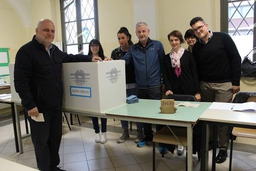 Il sindaco uscente di Alba Maurizio Marello ha votato