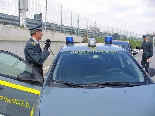 """Auto con targhe straniere: per ora nessun """"furbetto"""" pizzicato in Granda"""