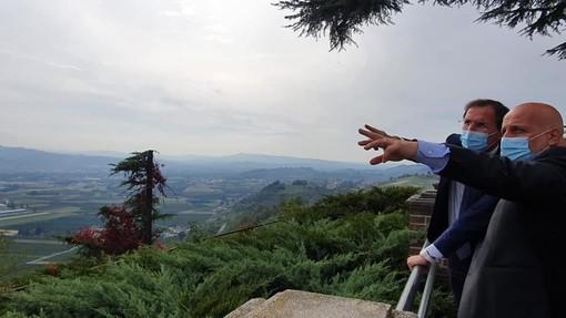 Marello con il Ministro Boccia al paramuro di Guarene