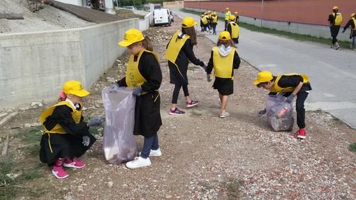 A Piobesi d'Alba, grande entusiasmo degli alunni della primaria per la giornata ecologica