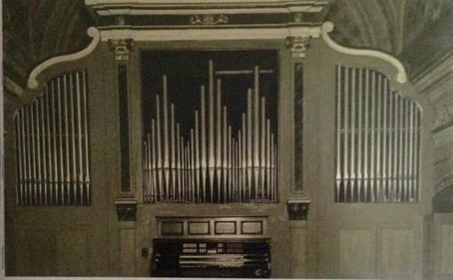 """L'organo """"Pierino Regis"""" nella chiesa di San Martino in Cherasco è ancora attivo"""