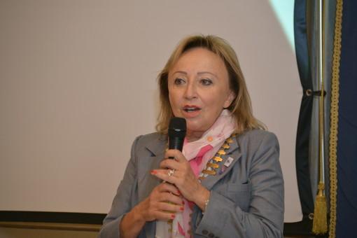 A Magliano Alfieri incontro tra Silvia Scarrone e i soci del Rotary albese