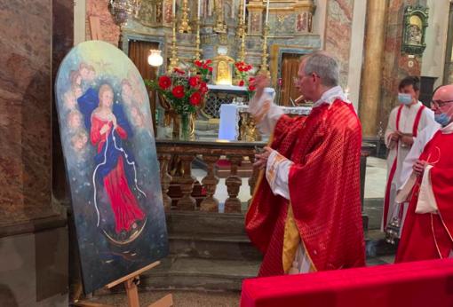 """A Dogliani Castello la benedizione dell'opera di Teresita Terreno """"La Madonna che scioglie i nodi"""""""