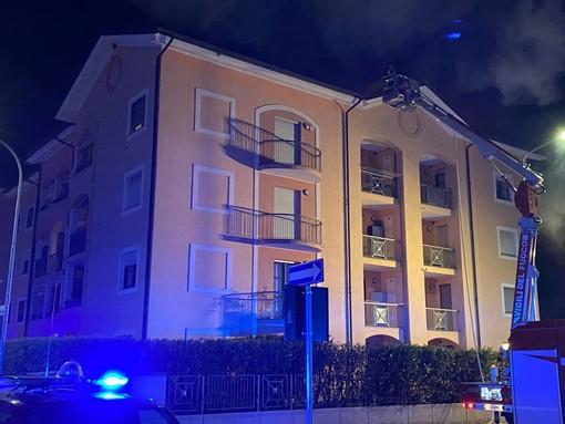 Le immagini dell'incendio divampato a Savigliano