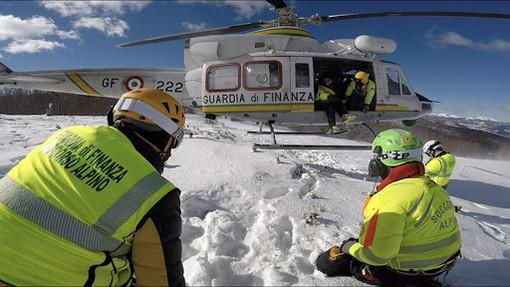 Attivata una nuova unità cinofila per il Soccorso Alpino della Guardia di Finanza