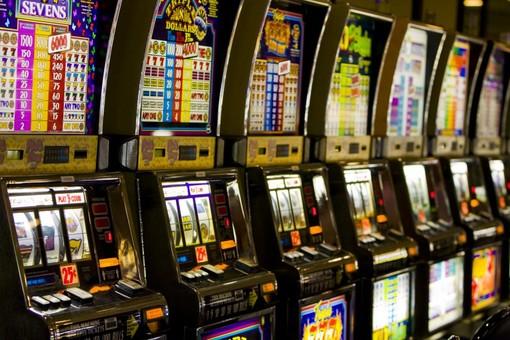 La cooperativa insolvente, gli incassi finivano in scommesse e sale giochi