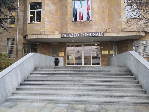 Il municipio santostefanese, recente oggetto di un investimento da 150mila euro per il risparmio energetico