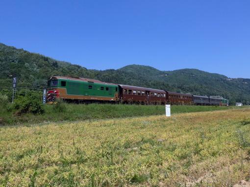 Treno storico sui binari della Ceva-Ormea (foto Andrea Richermo)