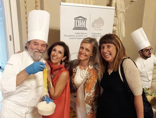 Nella foto Luciano Tona, direttore dell'Accademia Bocuse d'Or Italia, e, seconda da destra, l'assessore Carlotta Boffa