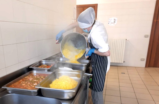 Da Vezza d'Alba 350 pasti al giorno per le scuole del territorio