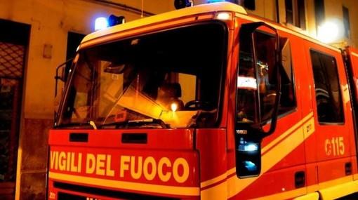 In fiamme forno della Riva Acciaio a Lesegno, intervento dei vigili del fuoco nella notte