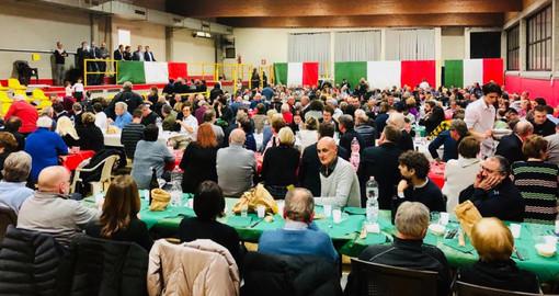 Un momento della cena natalizia tenuta da Forza Italia nei locali della Boccciofila comunale