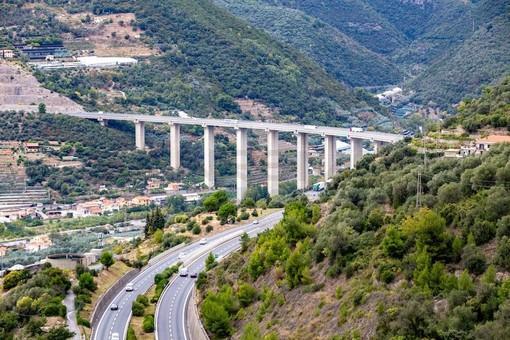 """Coronavirus, il Piemonte """"abbatte"""" i confini con la Liguria: dalla prossima settimana le province di confine potranno riabbracciare i parenti"""