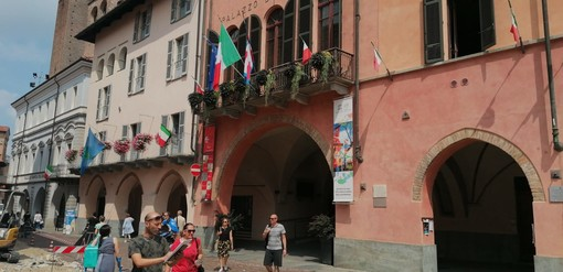 """Rimosso lo striscione per Giulio Regeni  dal municipio di Alba: """"Il sindaco Bo  spieghi questo gesto incomprensibile"""""""