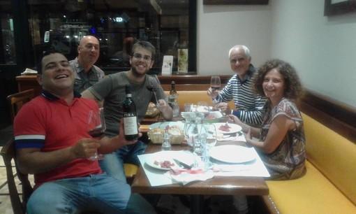 Marco Deangelis con un gruppo di amici. Foto da il suo profilo Fb