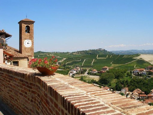 Le colline del Roero in una veduta da Castellinaldo d'Alba