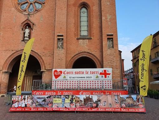 Alba, tutto pronto per la 13^ edizione di Corri sotto le torri. Oggi in piazza Duomo iscrizioni e... vaccini