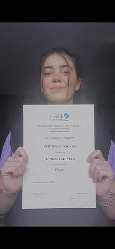 Certificazioni Alfa in pianoforte e flauto per due studentesse della scuola media Bra1
