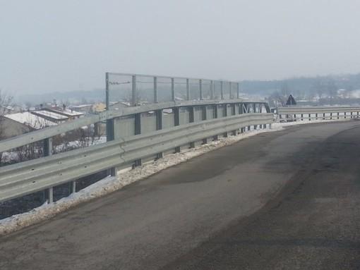 Si riasfalta il cavalcaferrovia a Sant'Albano Stura: chiusura totale al transito per due giorni