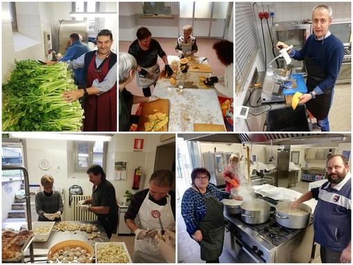 150 volontari all'opera a Dogliani per cucinare la Cisrà: tradizionale minestra di trippe e ceci da gustare alla Fiera dei Santi
